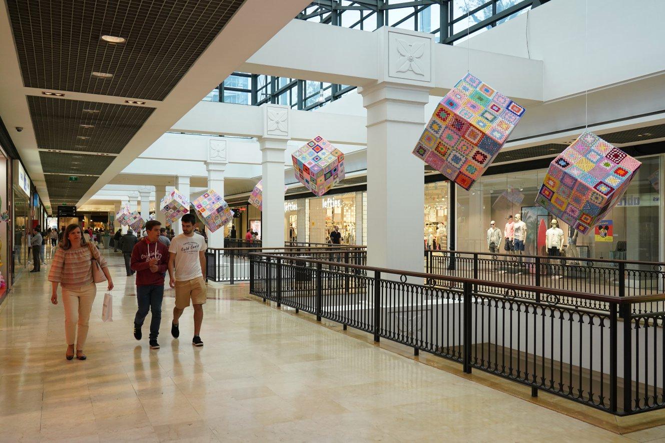 Galerie marchande centre commercial Parque Nascente - Porto