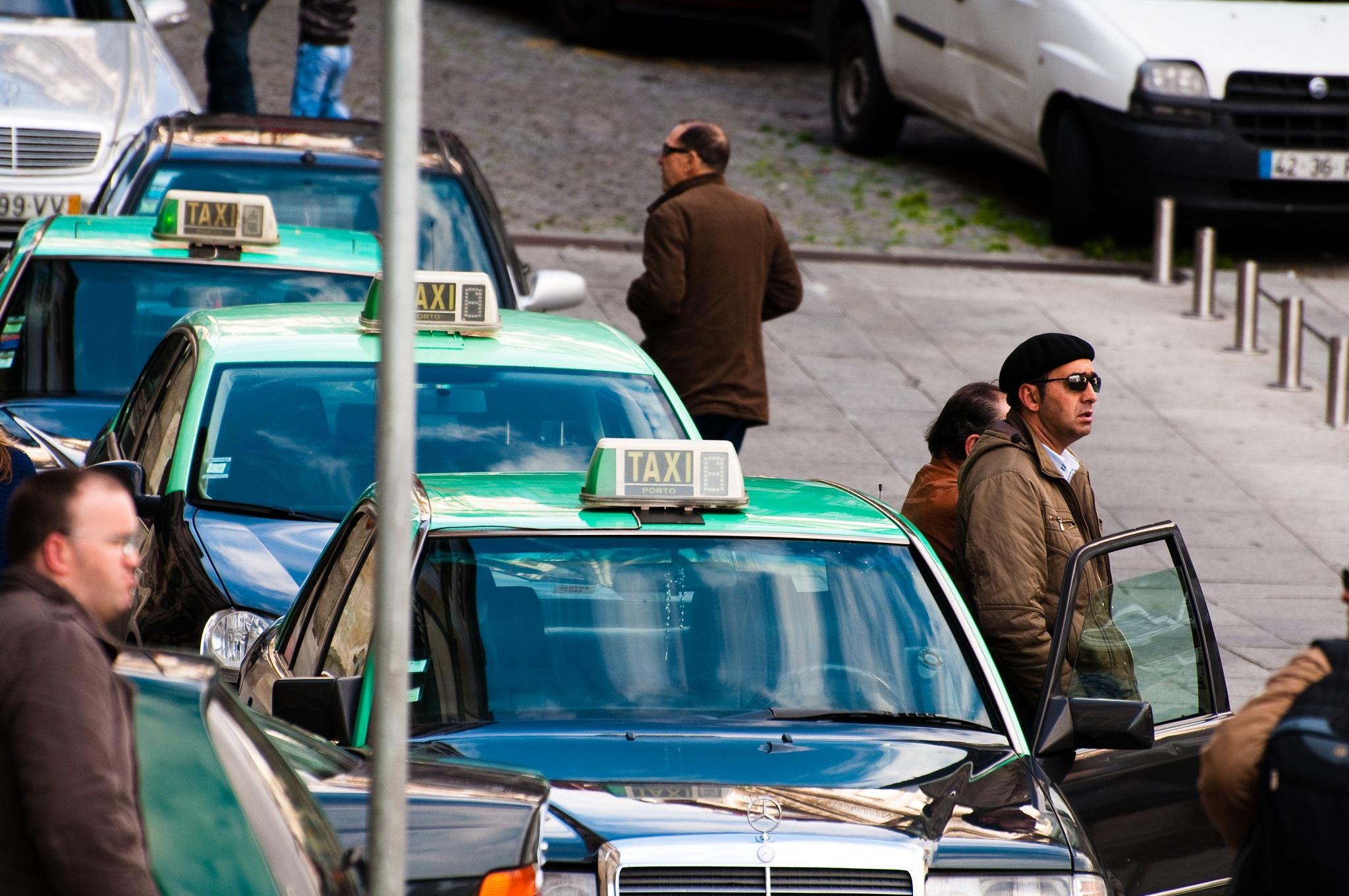 File de chauffeurs de taxis - Porto