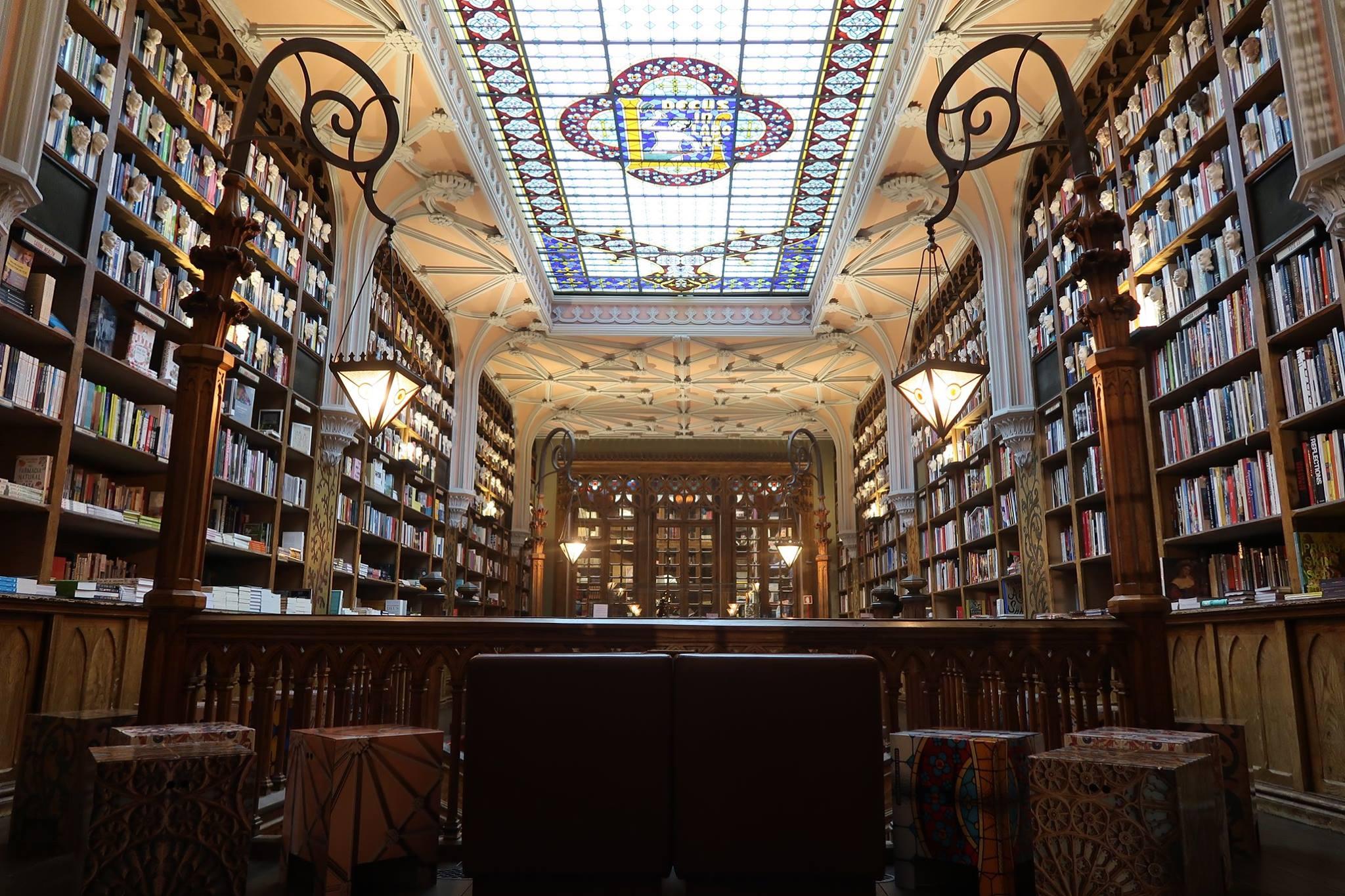 Interieur de la librairie Lello - Livraria Lello - Porto