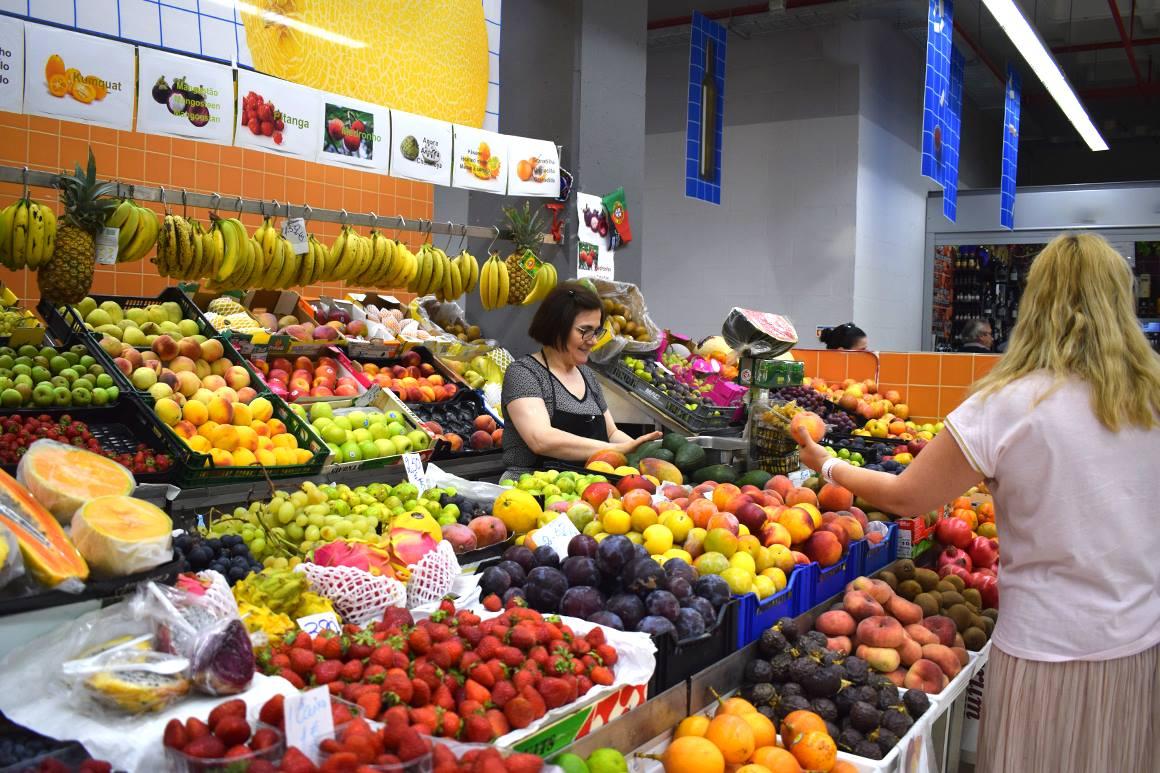 Stand de vente de fruits et legumes - Marche Temporaire de Bolhao - Porto