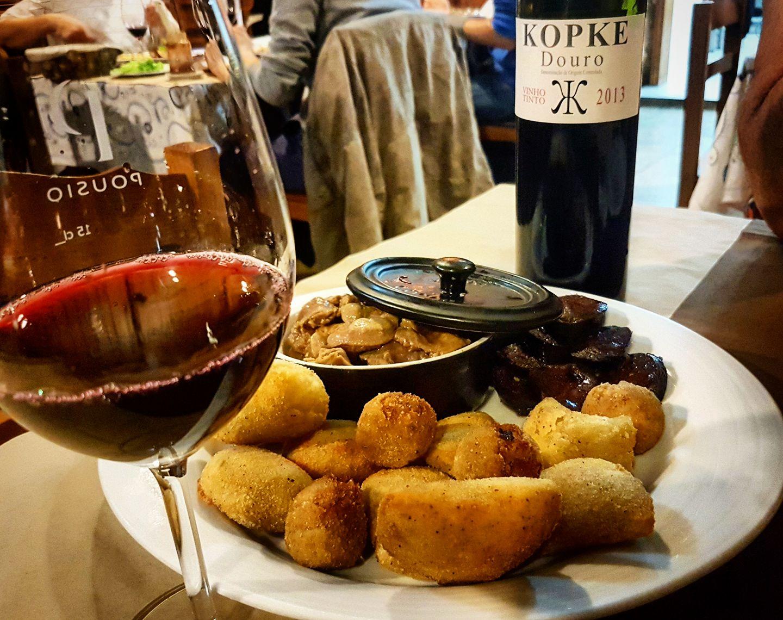 Traditionnels petiscos du restaurant Cana Verde - Porto