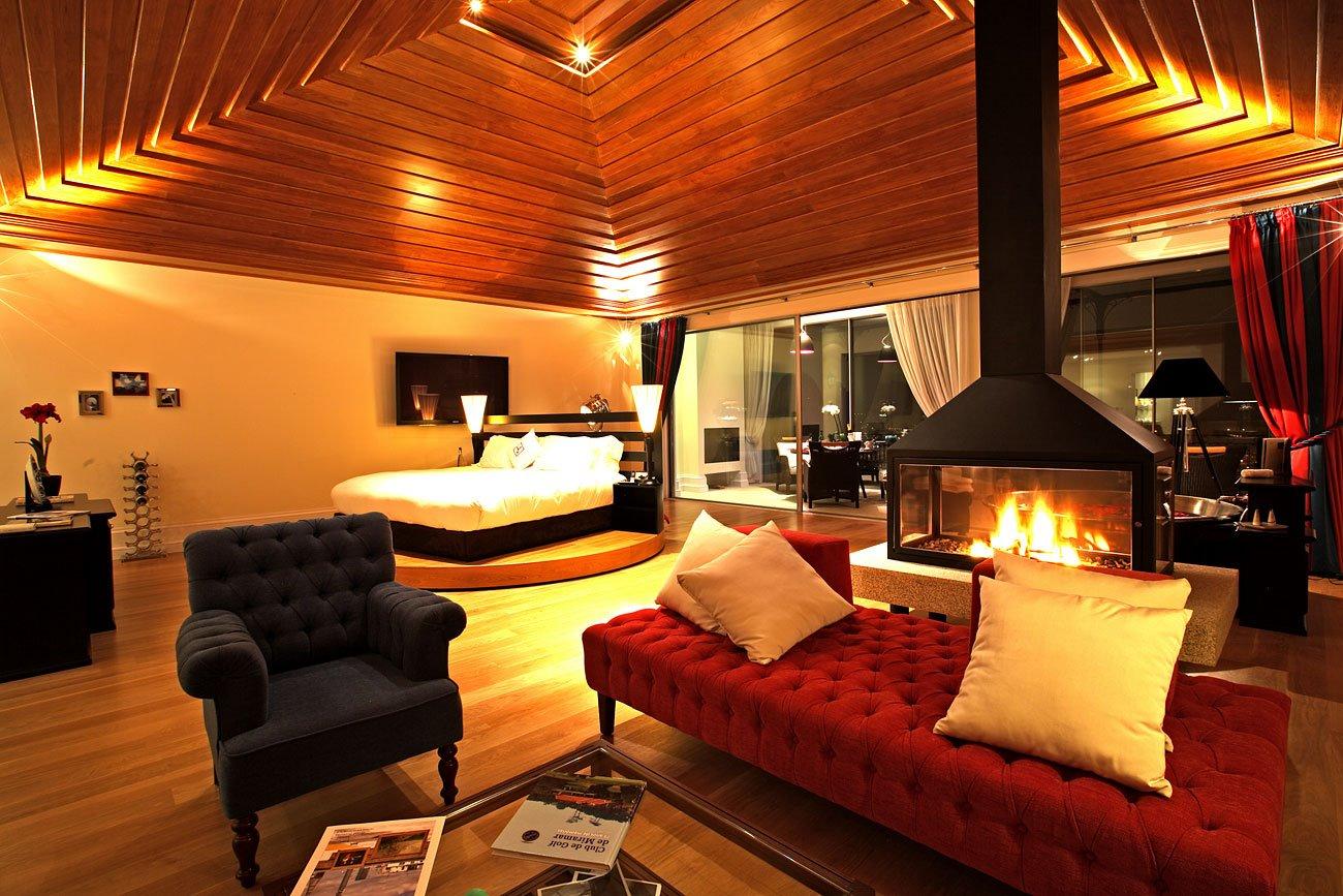Interieur de la Suite Bacchus avec jacuzzi et cheminee - The Yeatman - Hotel 5 etoiles - Vila Nova de Gaia - Porto