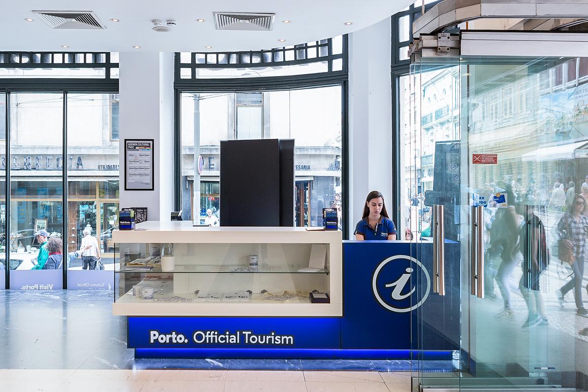 Point Office de Tourisme de Porto - rue Santa Catarina - Retrait Porto Card - Porto