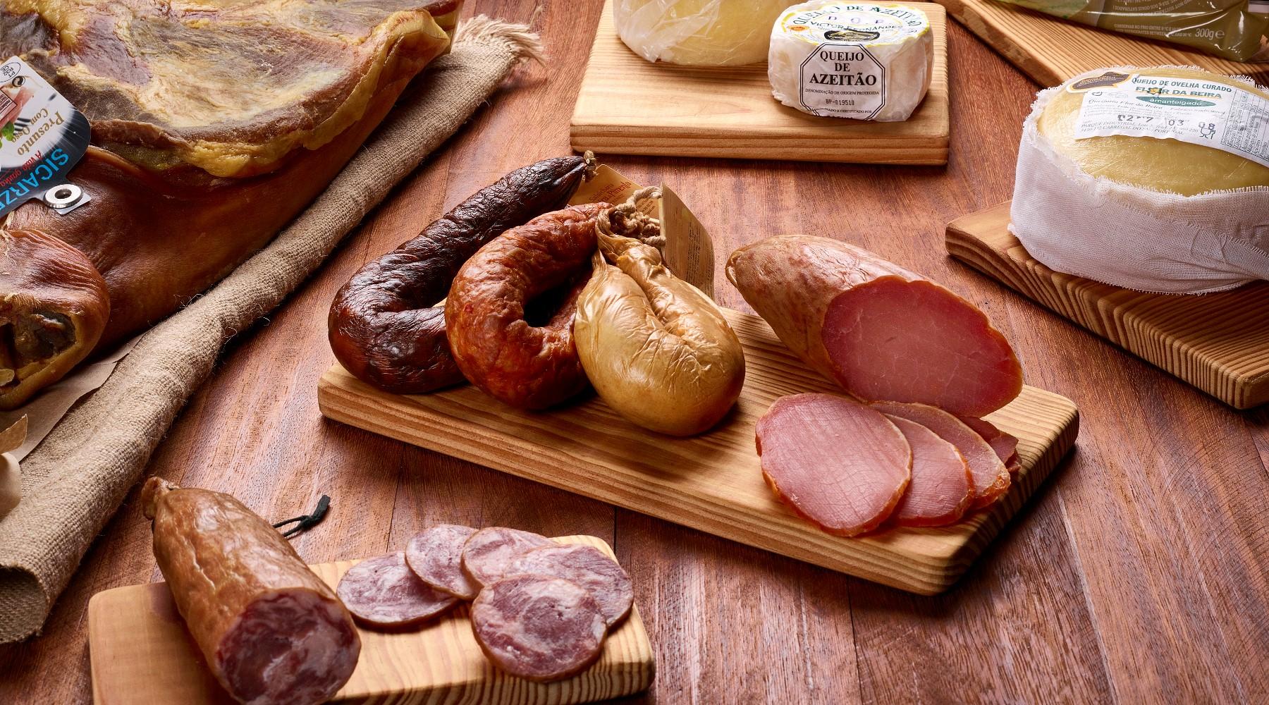 Charcuteries et fromages portugais de diverses regions
