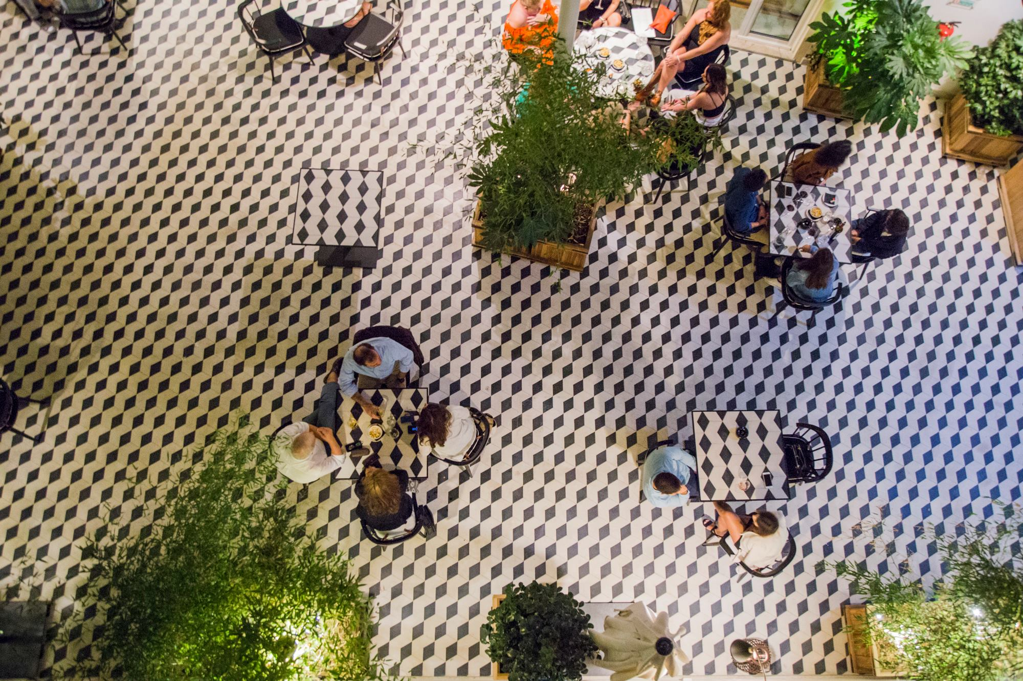 Patio interieur du Vogue Cafe Porto