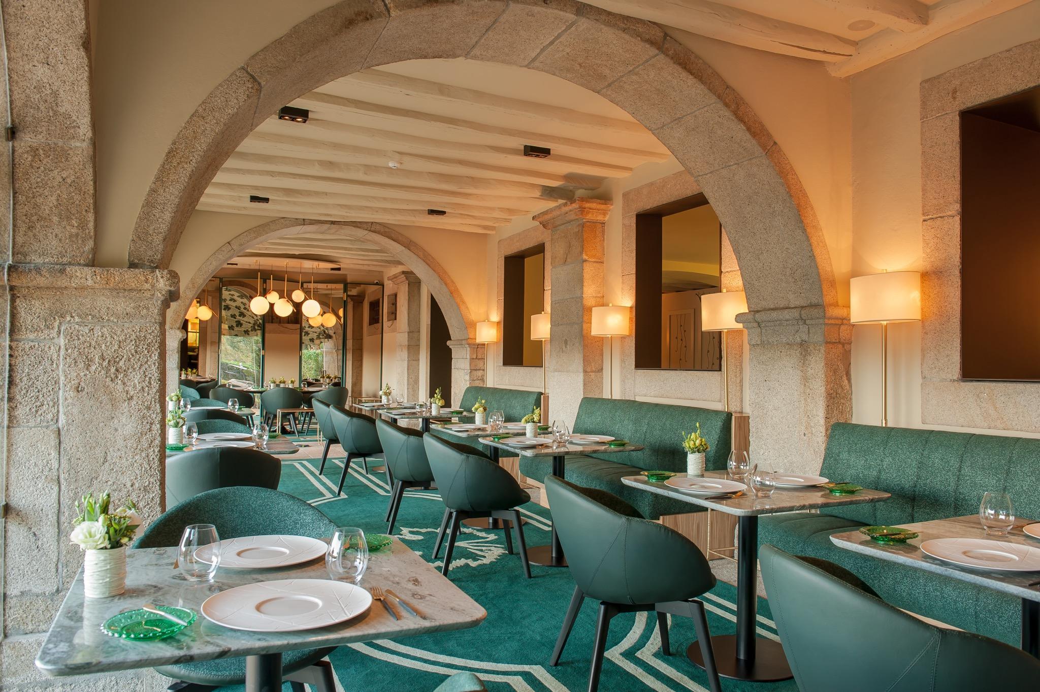 Salle avec vue sur jardin et le Douro - Restaurant Antiqvvm - 1 etoile Michelin - Porto