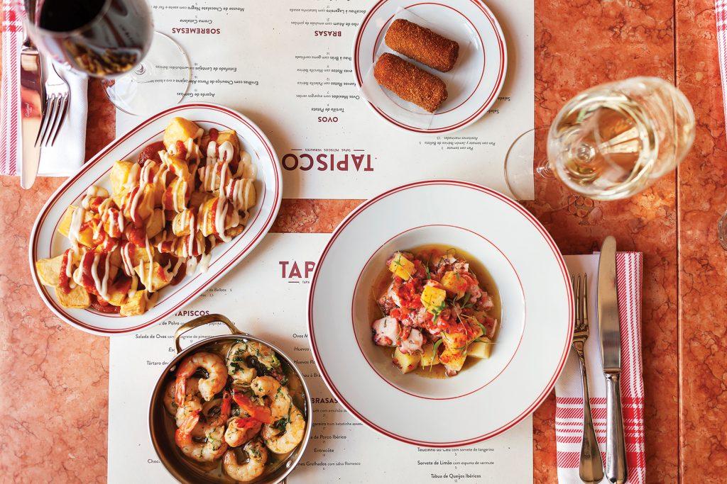 Selection de tapas chez Tapisco Porto - Patatas Bravas - Croquettes de viandes - Poulpe grille - Crevettes ail