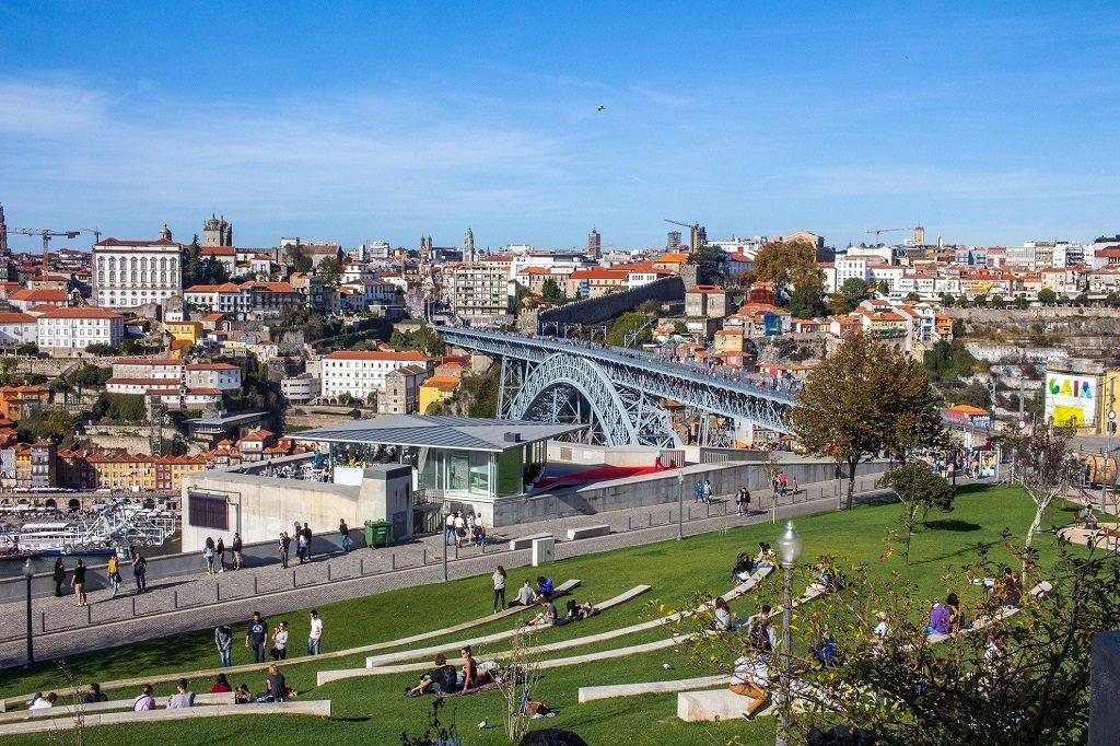 Jardim do Morro de Gaia avec vue sur Porto