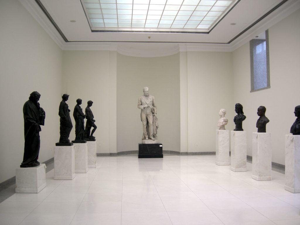 salle exposition de sculptures musee soares dos reis